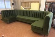 Minkšti baldai kavinėje
